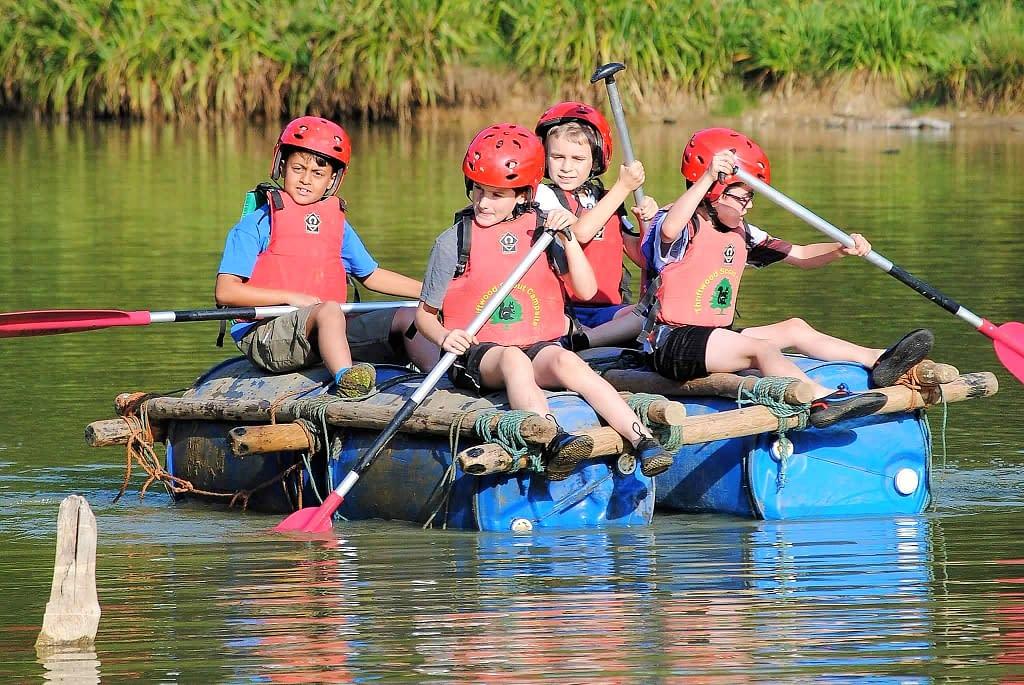 beavers canoe